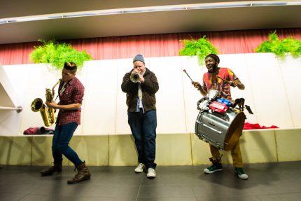 Inauguration - Concert Too Many Zooz