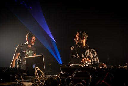 Saro & DJ Netik © Nicolas Joubard